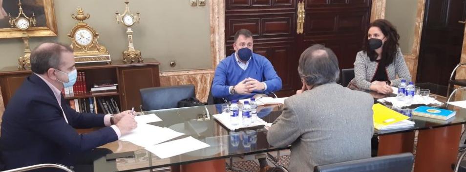 Reunión en Delegación de Gobierno para analizar y aplicar medidas concretas para la solución de Cañada Real.