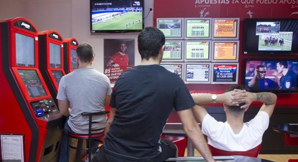 El PSOE plantea medidas municipales ante la proliferación de casas de apuestas en Rivas