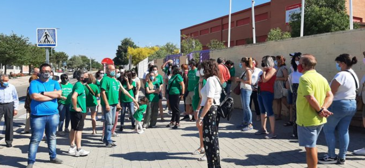 El PSOE de Rivas apoya las reivindicaciones de las familias del IES Julio Pérez y exige soluciones a la Comunidad de Madrid